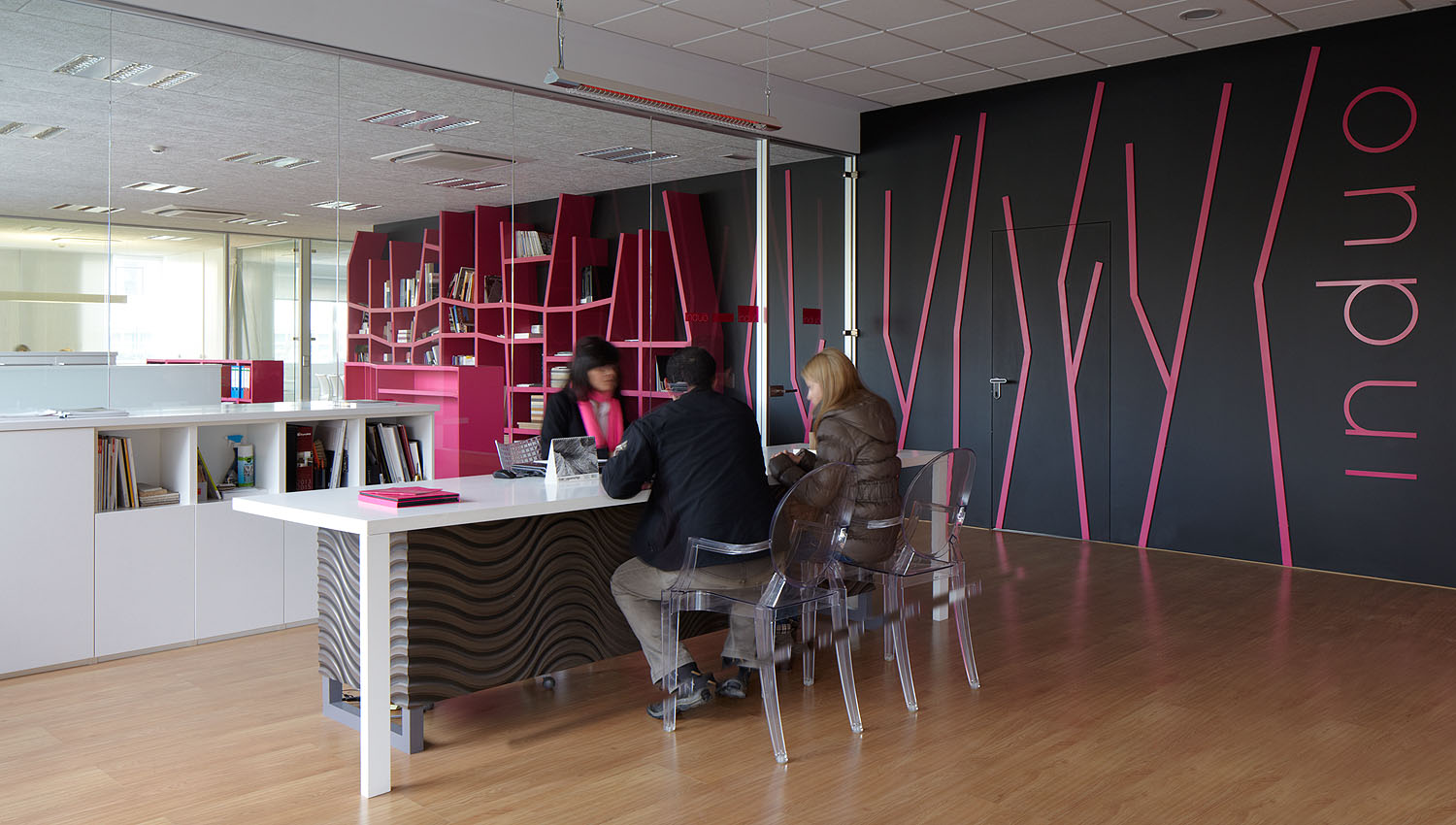 Oficinas Induo Collection, zaratuz